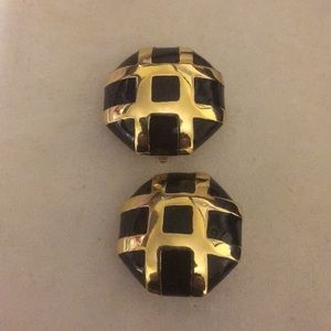St.John classic Blk & gold clip on button earrings